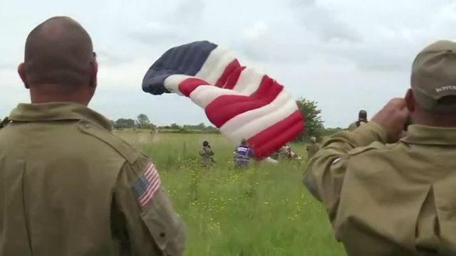 AFPTV_Débarquement: saut en parachute de Tom Rice, vétéran de 97 ans ! TRIMMED