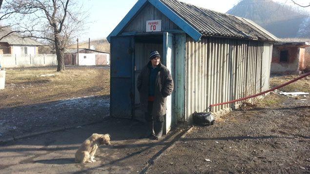 (L'entrée de ce bunker, un simple garage © RF/ Cécilia Arbona)