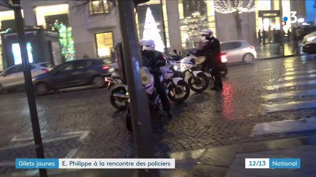 """""""Gilets jaunes"""" : Edouard Philippe à la rencontre des policiers agressés"""