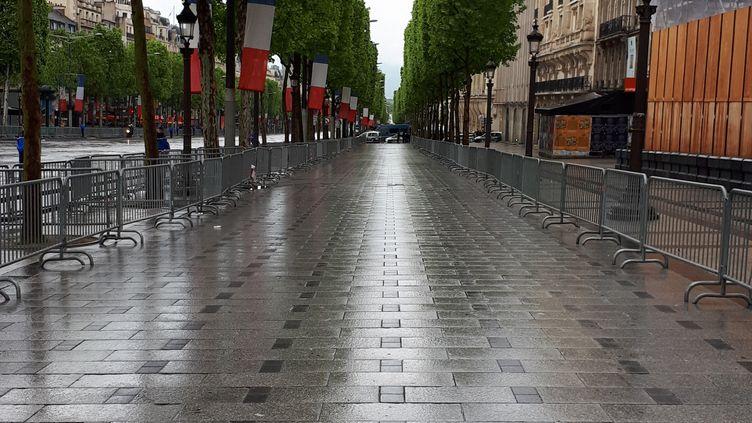 L'avenue des Champs-Élysées à Paris, à l'occasion des commémorations du 8 mai 1945 (le 8 mai 2019). (BENJAMIN MATHIEU / RADIO FRANCE)