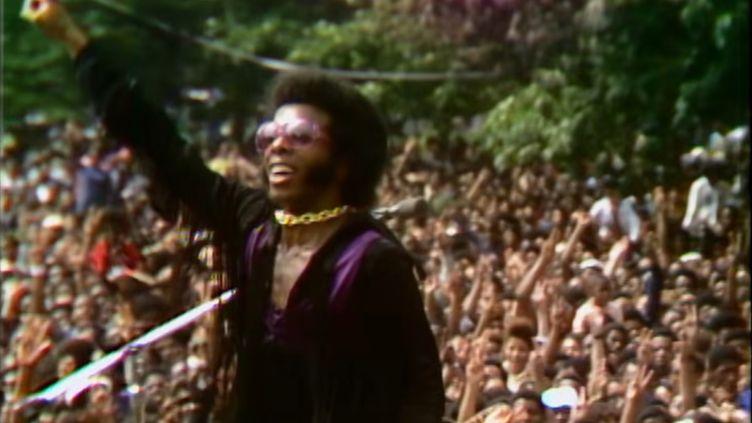 Le chanteur de Sly & the Family Stone lors du Harlem Cultural Festival, en août 1969. (SEARCHLIGHT PICTURES)