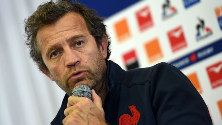 Fabien Galthié (ici en décembre 2019) a salué la fin de match de ses joueurs. (GAIZKA IROZ / AFP)