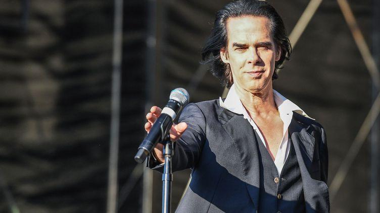Nick Cave & The Bad Seeds sur scène au Open'er festival à Gdynia en Pologne, le 4 juillet 2018. (JACEK PISKI/ REPORTER/ ENPO/ SIPA)