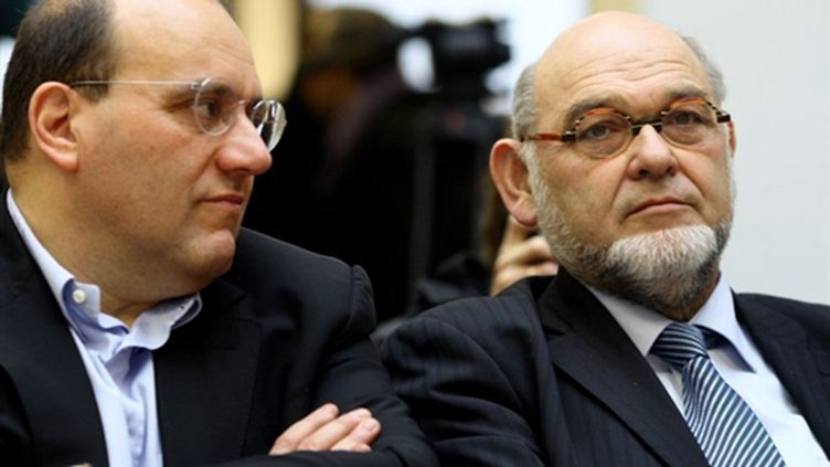 Julien Dray, ici avec Robert Hue (campagne des régionales, 2 février 2010) (AFP/THOMAS COEX)