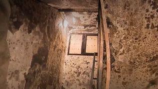 Une cage d'escalier. (FRANCE 2)