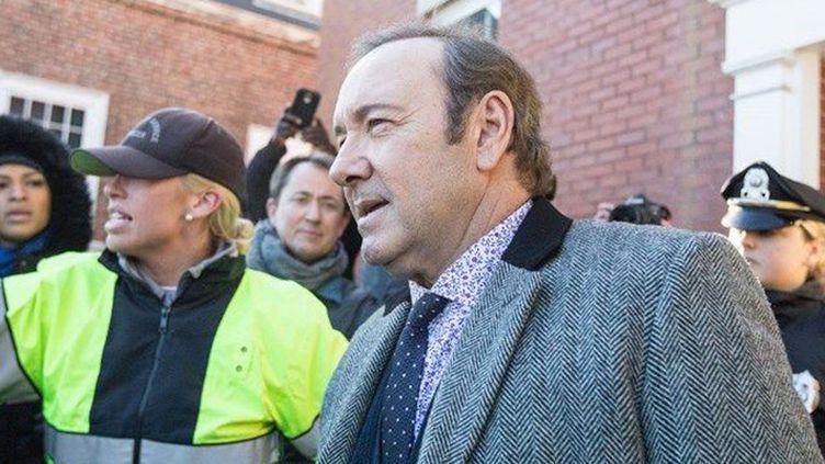 L'acteur Kevin Spacey quitte le tribunal de Nantucket, où il a été inculpé, lundi 7 janvier 2019.  (Scott Eisen / Getty Images / AFP)