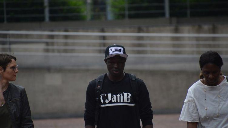 Mamoudou Gassama arrive à la préfecture de Seine-Saint-Denis à Bobigny, le 29 mai 2018. (ALPHACIT NEWIM / CROWDSPARK)
