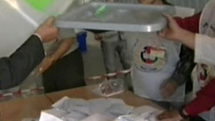 Dépouillement des bulletins de vote en Afghanistan (21/08/2009) (© France 2)