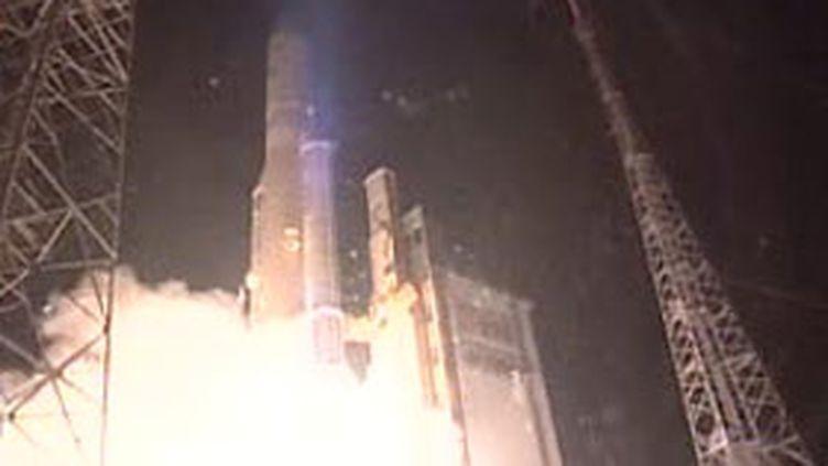Le décollage de la fusée Ariane V du centre de Kourou, en Guyane (archives). (France 2 (12-3-2007))