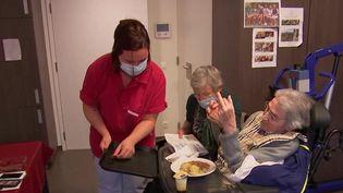Belgique : les maisons de retraite abandonnées lors du premier confinement ? (France 3)