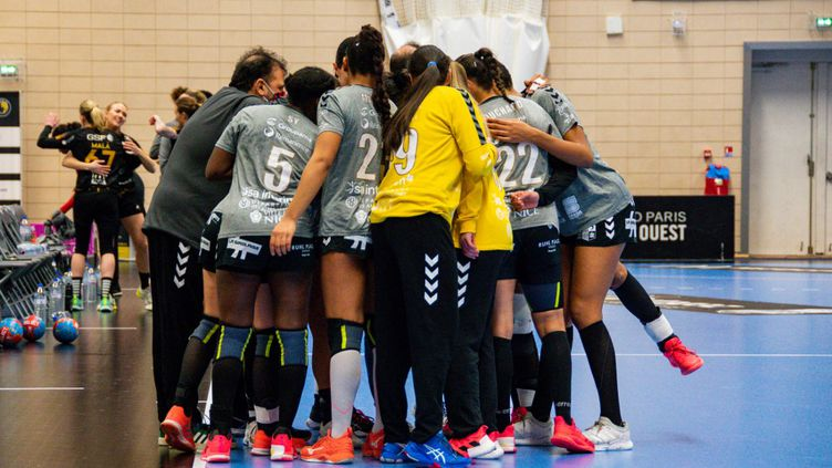 Les représentants des clubs, des joueuses et des entraîneurs se sont unis pour parvenir à un accord collectif (ANTOINE MASSINON / A2M SPORT CONSULTING)