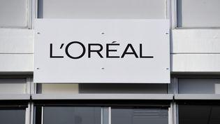 Le logo L'Oréal à Lassigny (Oise), le 16 février 2018. (BERTRAND GUAY / AFP)