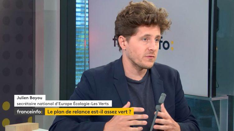 Julien Bayou, secrétaire national d'Europe Ecologie les Verts, lorsqu'il était invité de franceinfo, jeudi 3 septembre 2020. (FRANCEINFO / RADIOFRANCE)