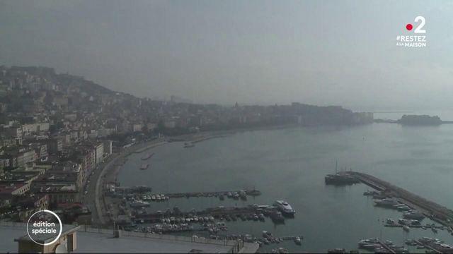 """Naples: """"Ceux qui peuvent donnent et ceux qui ne peuvent plus se servent"""""""