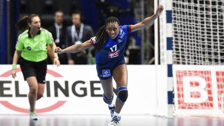 Siraba Dembélé a régalé face à la Russie avec 8 buts (JONATHAN NACKSTRAND / AFP)