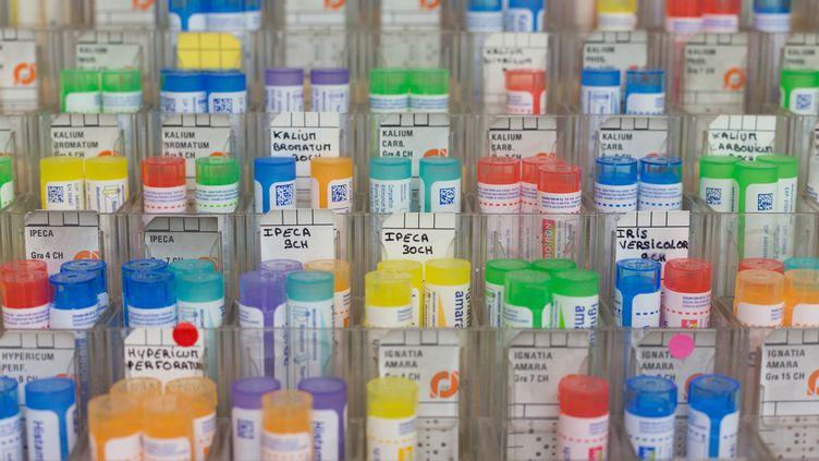 Les tubes d'homéopathie du laboratoire Boiron le 22 mai 2019 à Paris. (AMAURY BLIN / HANS LUCAS / AFP)
