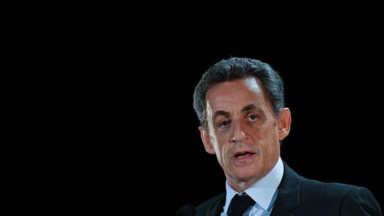 Nicolas Sarkozy, en meeting dans son ancien fief de Neuilly-sur-Seine (Hauts-de-Seine), le 7 novembre. (FRANCOIS PAULETTO / CITIZENSIDE / AFP)