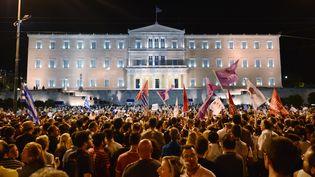 Les partisans du non se sont rassemblés place Syntagma dimanche 5 juillet après les premiers résultats du référendum. (LOUISA GOULIAMAKI / AFP)