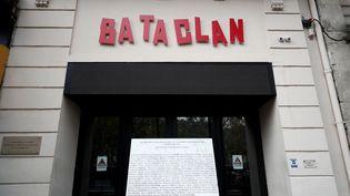 L'entrée du Bataclan, à Paris, l'un des lieux des attentats du 13 novembre 2015. (BENOIT TESSIER / AFP)