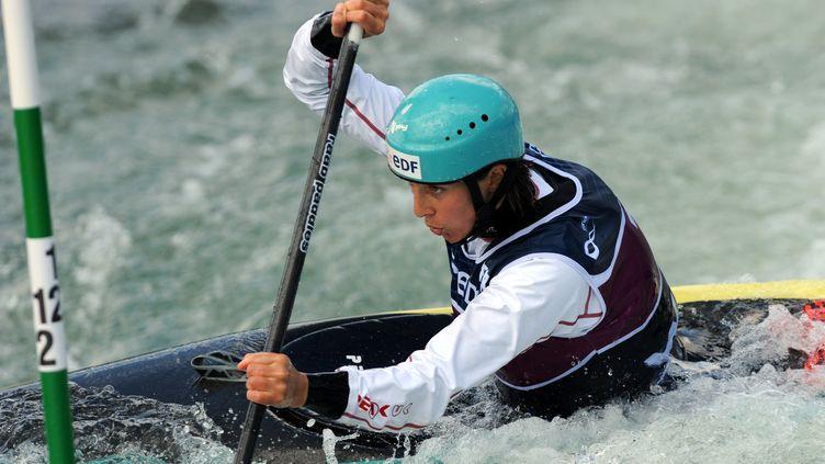Marie-Zelia Lafont, aux championnats de France de kayak, à Pau (Pyrénées-Atlantiques), le 10 avril. (GAIZKA IROZ / AFP)