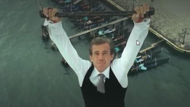 """Belmondo dans le """"Guignolo"""" (Capture d'écran France 2)"""