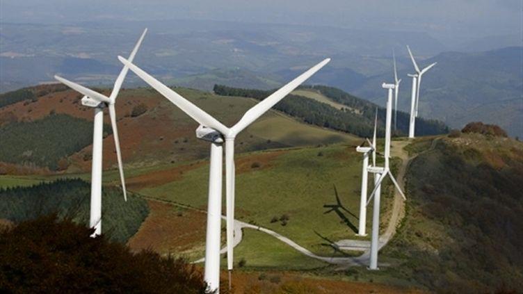 Vue des éoliennes implantées dans le parc de Merdelou-Fontanelles, dans le sud Aveyron. (AFP)