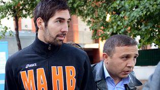 Le handballeur françaisNikola Karabatic, mis en cause dans l'affaire des paris truqués, à Paris, le 30 septembre 2012. (FRANCK FIFE / AFP)