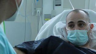 Covid-19 : quand les établissements privés viennent à la rescousse des hôpitaux publics (France 2)