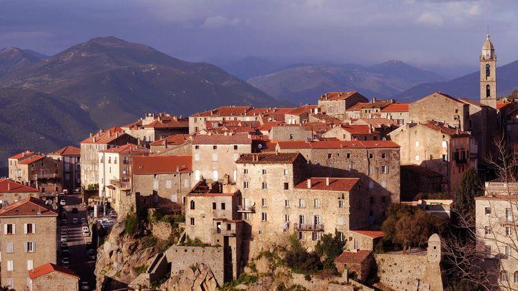La ville de Sartène (Corse-du-Sud), théâtre d'un assassinat, lundi 14 avril 2014. (LEBOUCHER-ANA / ONLY FRANCE / AFP)