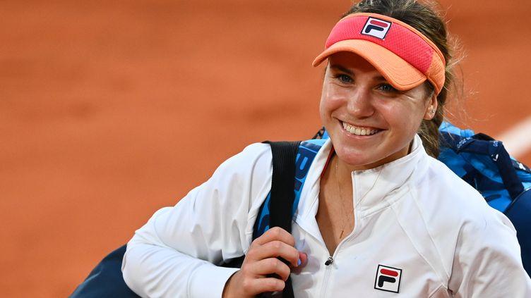 La joie de Sofia Kenin après sa qualification pour sa première finale à Roland-Garros.  (ANNE-CHRISTINE POUJOULAT / AFP)