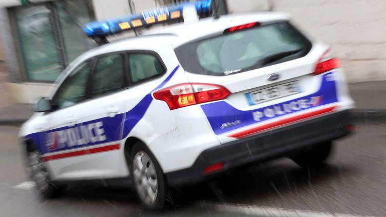 Une voiture de la police nationale (photo d'illustration) (LIONEL VADAM  / MAXPPP)