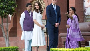 Le prince William et Kate, duchesse de Cambridge, visitent un musée consacréà Gandhi à New Dehli, le 11 avril 2016. (EUAN CHERRY / NURPHOTO / AFP)