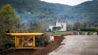 Le projet de rocade de contournement de 3,2 km autour de Beynac-et-Cazenac annulé. (THIBAUD MORITZ / AFP)