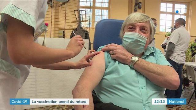 Vaccination contre le Covid-19 : les retards s'accumulent, des rendez-vous sont reportés