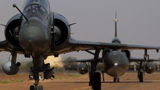 Un avion Mirage 2000 D à l'aéroport de Bamako (Mali), le 18 février 2013. (JOEL SAGET / AFP)