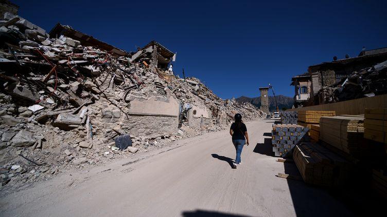 """""""Nous avons mis en place des mesures et des ressources sans précédent"""", a assuré le chef du gouvernement, Paolo Gentiloni. Les pouvoirs publics ont déjà débloqué un total de 6,1 milliards d'euros pour la reconstruction. (FILIPPO MONTEFORTE / AFP)"""