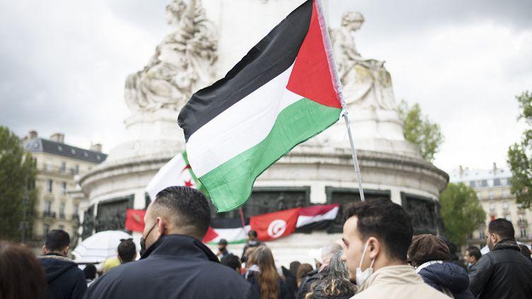 Un rassemblement en soutien au peuple palestinien Place de la République à Paris, jeudi 13 mai 2021. (FIORA GARENZI / HANS LUCAS)