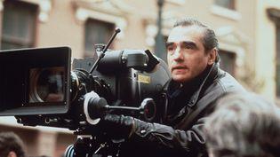 """Le cinéaste américain Martin Scosese sur le tournage du film """"Le Temps de l'innocence"""", le 3 octobre 1993. (DPA / AFP)"""