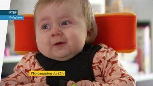 Pia, enfant belge qui souffre d'une maladie génétique rare (FRANCEINFO)