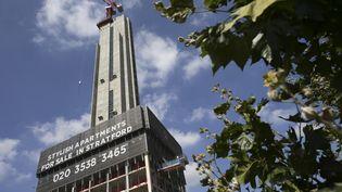 Un immeuble en cours de construction à Londres, en août 2016. (DANIEL LEAL-OLIVAS / AFP)