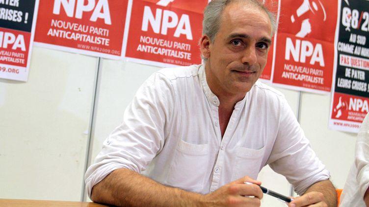 Philippe Poutou, candidat du Nouveau Parti anticapitaliste à la présidentielle, le 26 juin 2011 à Paris. (HALEY / SIPA)