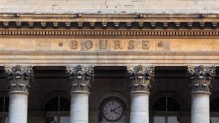 La façade de la Bourse de Paris, le 29 novembre 2014. (MANUEL COHEN / AFP )