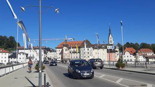 La ville de Bad Tölz, en Bavière (Allemagne), peuplée de 20 000 habitants, le 23 septembre 2021. (SEBASTIEN BAER / FRANCEINFO)