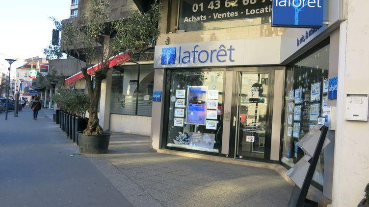 L'agence immobilière Laforêt des Lilas (Seine-Saint-Denis), ici photographiée le 27 décembre 2016, a suspendu son contrat avec l'agence chargée de rédiger ses annonces, après une mention raciste (MAXPPP)