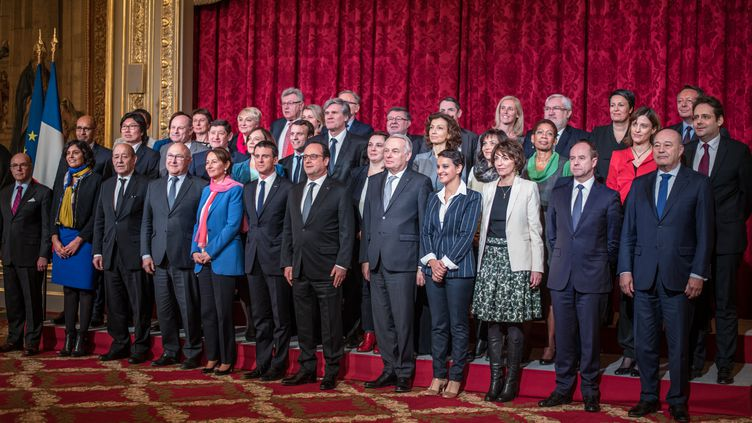 Le gouvernement Valls III pose à l'Elysée, le 17 février 2016. (YANN KORBI / CITIZENSIDE.COM)