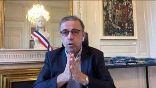 """Le maire de Bordeaux, Pierre Hurmic, était l'invité du """"8h30 franceinfo"""", dimanche 22 novembre 2020. (FRANCEINFO / RADIOFRANCE)"""