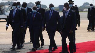 Arrivée du président sénégalais Macky Sall au sommet de la Cédéao, le 15 septembre 2020 à Accra. La Communauté économique des Etats de l'Afrique de l'Ouest était réunie au Ghana pour évoquer l'avenir économique de la sous-région. (NIPAH DENNIS / AFP)