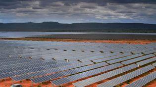 La plus grande centrale photovoltaïque d'Amérique latine, àPirapora, dans l'Etat du Minas Gerais (Brésil), en novembre 2017. (CARL DE SOUZA / AFP)