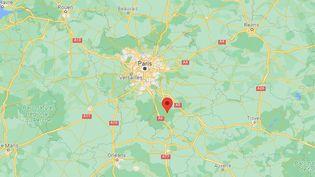 Une conductrice a foncé sur deux terrasses de restaurants à Fontainebleau (Seine-et-Marne), le 18 septembre 2021, faisant six blessés légers. (GOOGLE MAPS / FRANCEINFO)