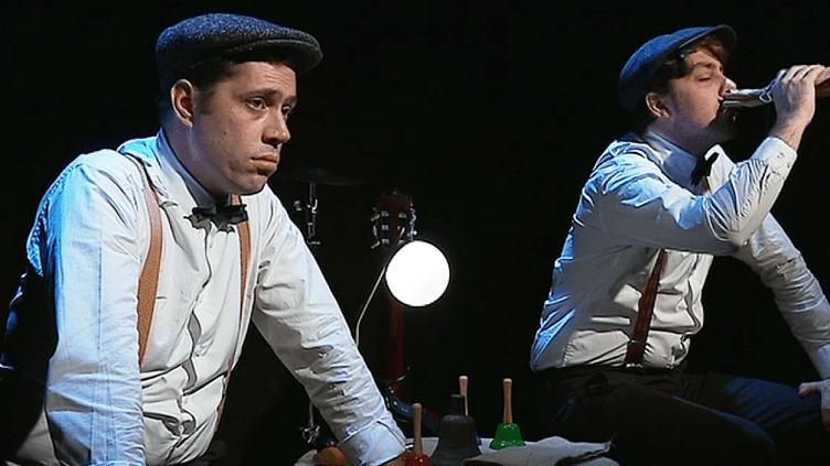 """Le spectacle """"Devos, rêvons de mots"""", un duo de comédiens reprend l'univers insolite d' l'humoriste-poète au théâtre des marronniers de Lyon  (France 3 / Culturebox )"""
